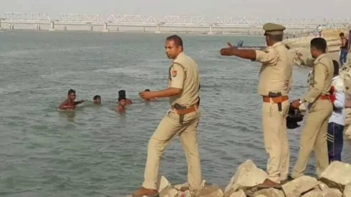 12 people drowned in Ayodhya